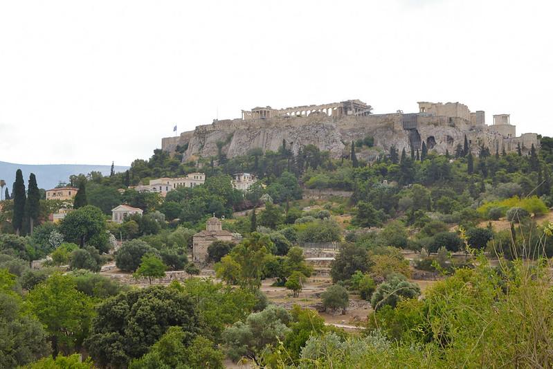 La Acrópolis desde el ágora griega.
