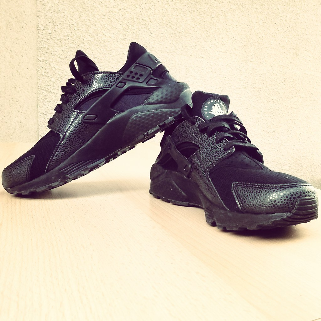 Nike Air Huaraches Trainer Htk Shoes  Black