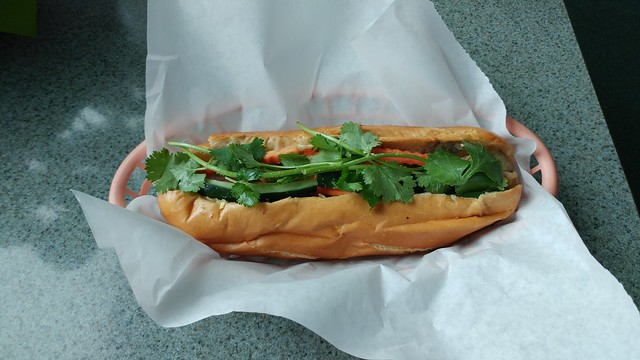 Riverview Cafe banh mi