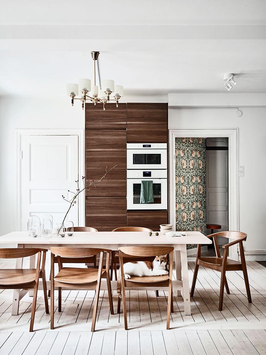 Green Scandinavian Home