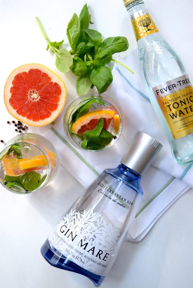 My Favourite Gin & Tonic Serve | www.rachelphipps.com @rachelphipps