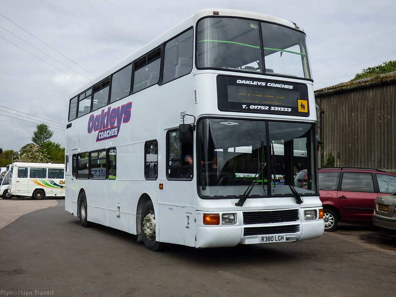Oakleys Coaches  R380LGH
