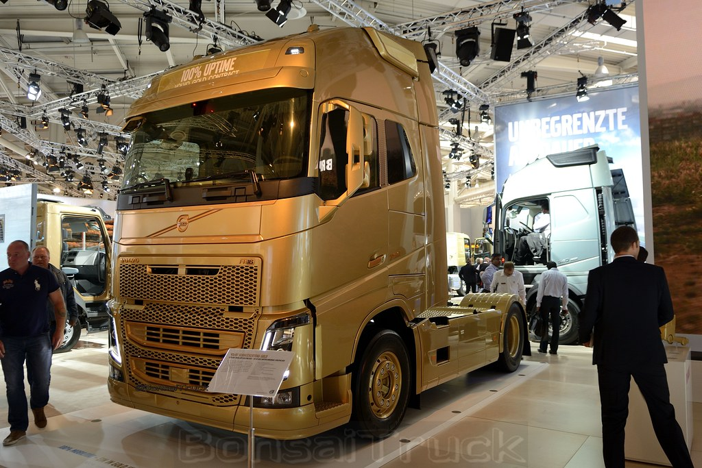 iaa hannover 2014 volvo fh 16 750gl04 gold contract. Black Bedroom Furniture Sets. Home Design Ideas