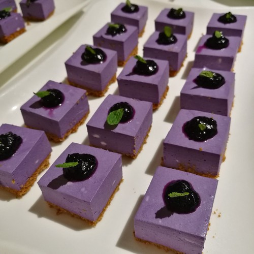 DavaoFoodTripS.com : Ube Cheesecake | Seda Abreeza Summer Treats in Misto, Flavors of the Philippines and Their International Rice Bowls