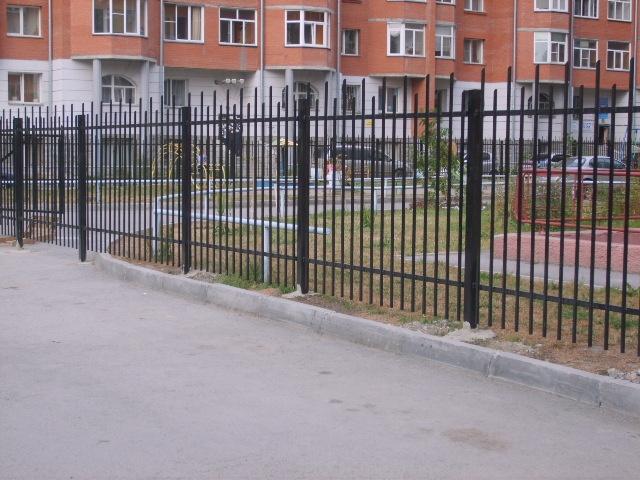 Заборы из профильной трубы в Перми