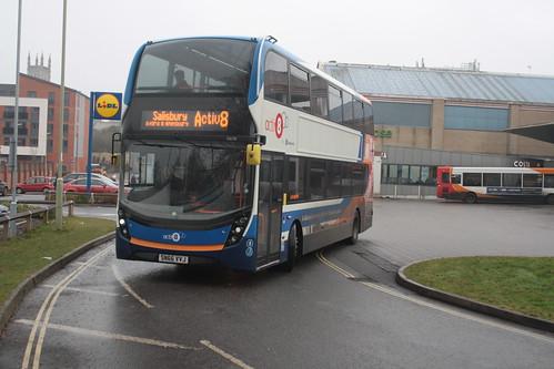 Stagecoach South 10698 SN66VVJ