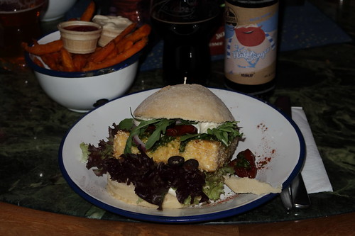 """""""Mäh""""-Burger und Sweet Potatoe Fries in der Burgerbar """"Zauber von OS"""""""