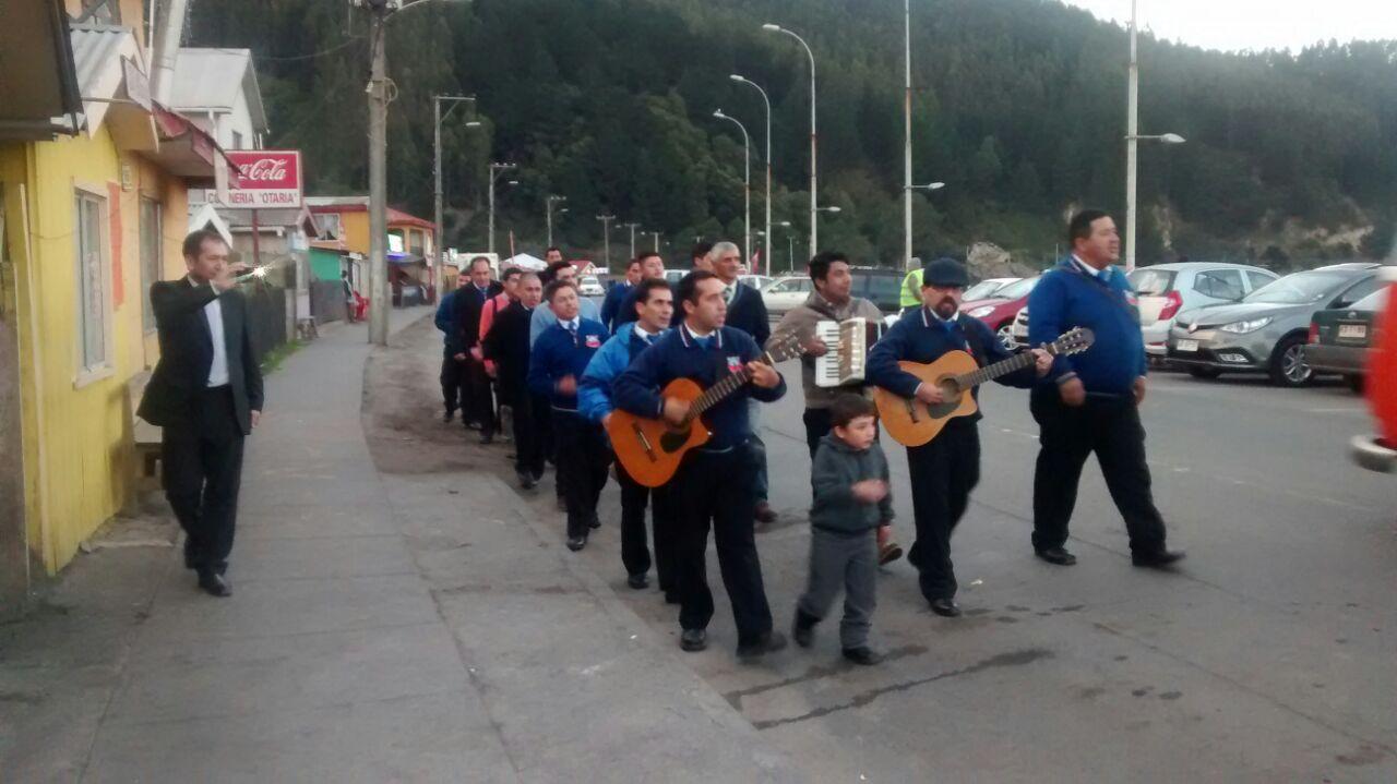 Lenga recibe a los ciclistas de Punta Parra