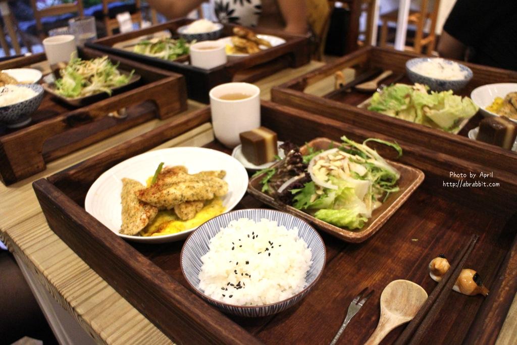 台中無菜單料理|後驛冊店–台中火車站周邊美食,無菜單料理日式定食@東區 大公街