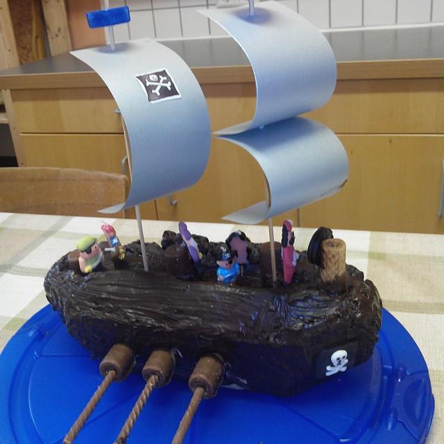 Piratenschiff Kuchen Ein Muss Fur Piraten Kindergeburtsta Flickr