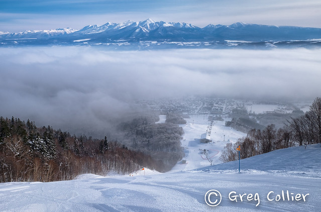 Skiing under the fog.jpg