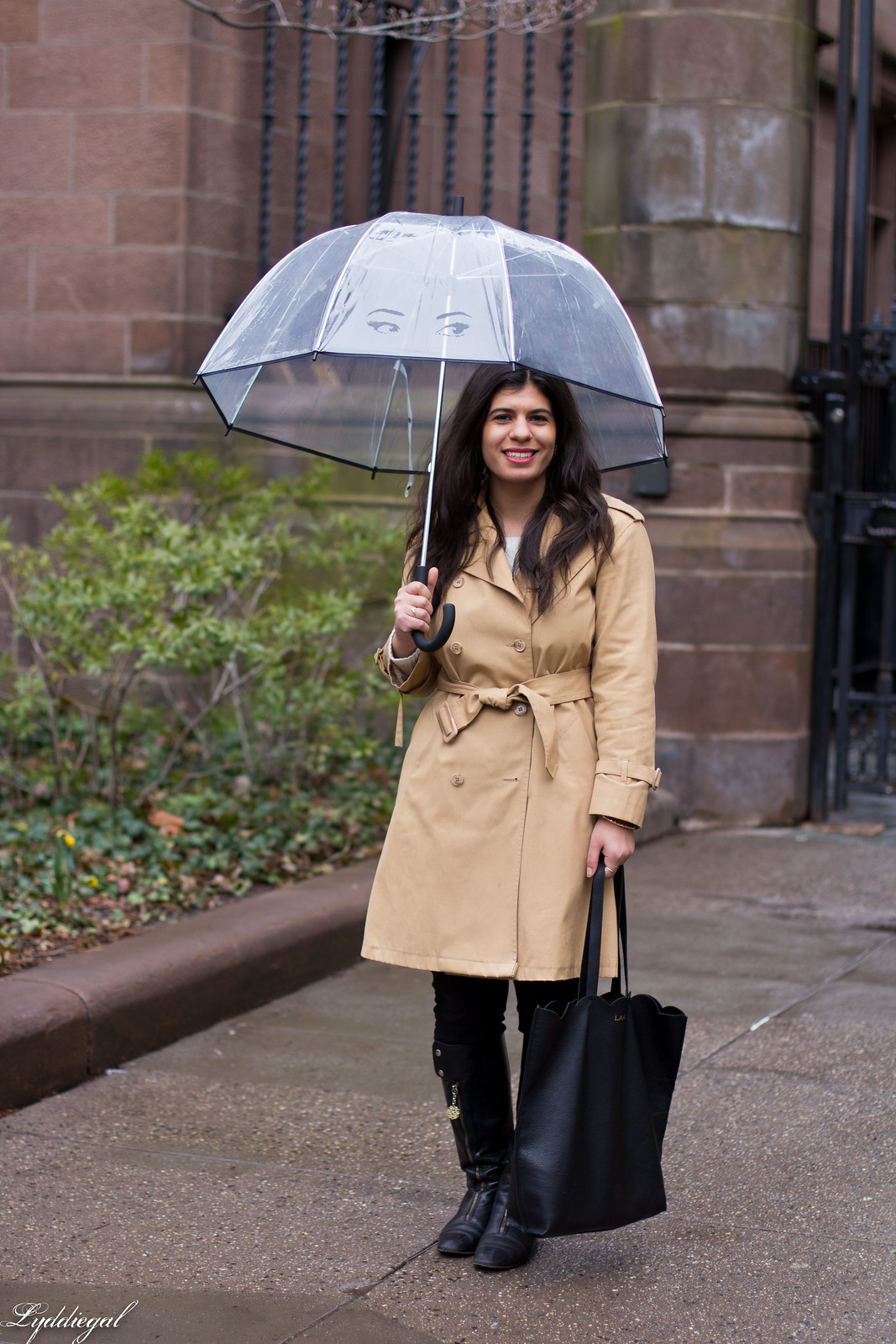 Trench coat, matine tilly clutch, kate spade umbrella, rainy day outfit.jpg