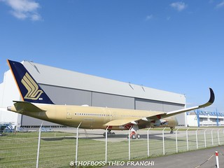 A350 Singapore Airlines 9V-SMP msn122 F-WZGS