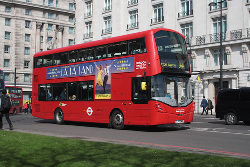 London United VH45193 LJ16EWR
