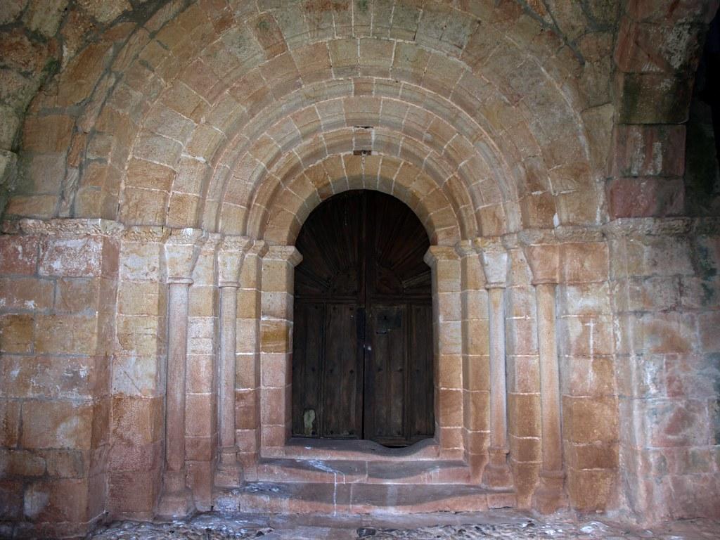Resultado de imagen de Iglesia de San Esteban, en Lomilla