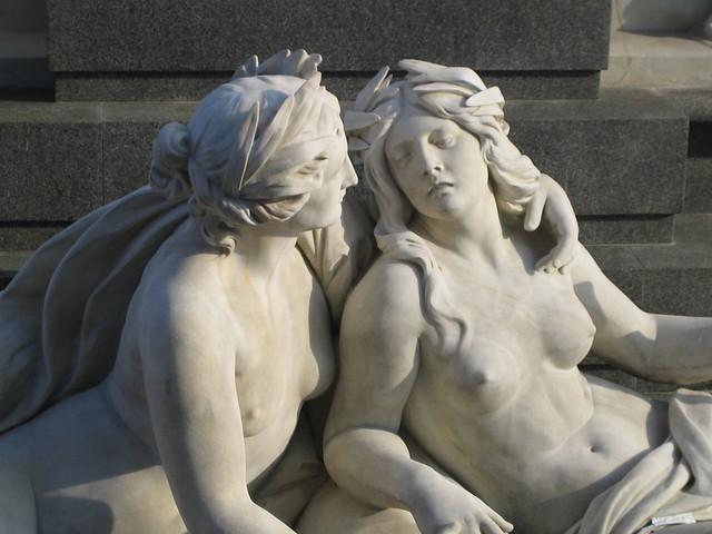El amor de las estatuas