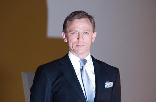 Daniel Craig as James ...