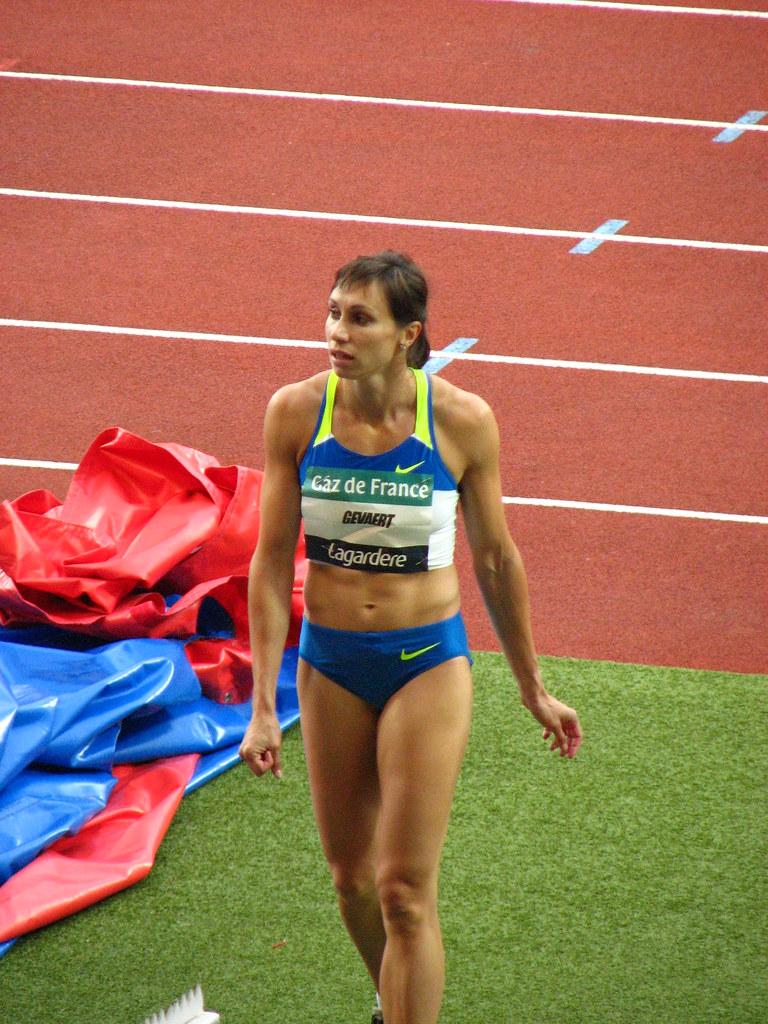 Watch Kim Gevaert sprint runner video