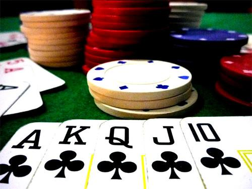 Flush strip free poker
