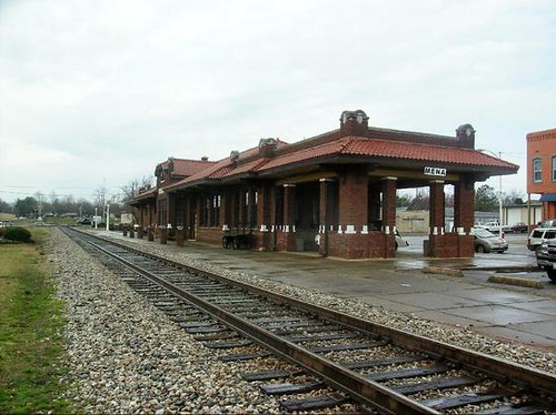 Old railroad depot mena arkansas the old railroad for Railroad stations for sale