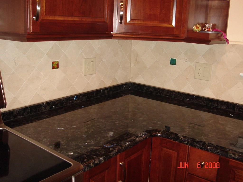 Kitchen Backsplash With Uneek Glass Fusions Accent Tiles Flickr