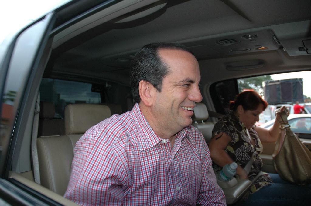 Anibal Acevedo Vila Gobernador De Puerto Rico Riveras Proyect