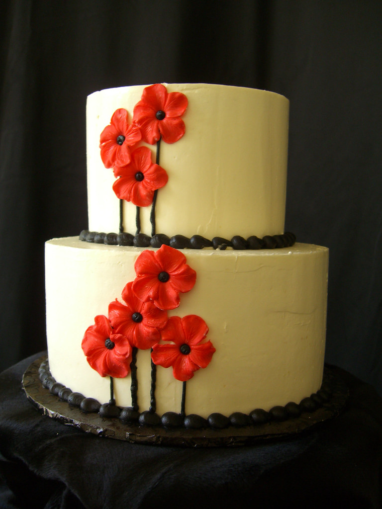 Black & Red   A fun, bold, and vibrant cake for my fun, bold…   Flickr