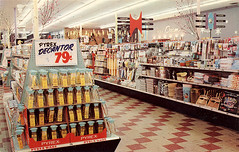 Piggly Wiggly Supermarket, 1950's | by Roadsidepictures