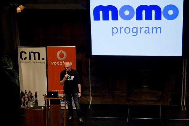 Ramino van de Klein presenting