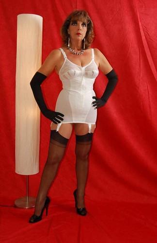 91  Miss Primm Of Primmheels Wears A White Grenier 6535 -1867