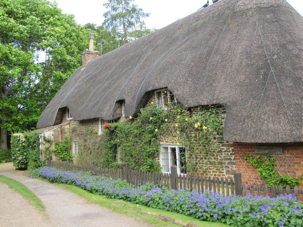 CotswoldThatched Cottage Sandy Lane Wiltshire