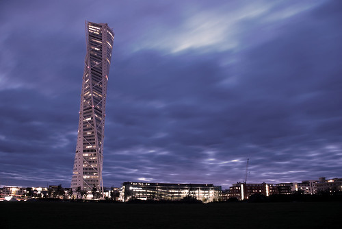 Turning Torso @ evening time | by NaiJoE