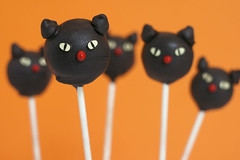 Black Cat Cake Pops | by Bakerella