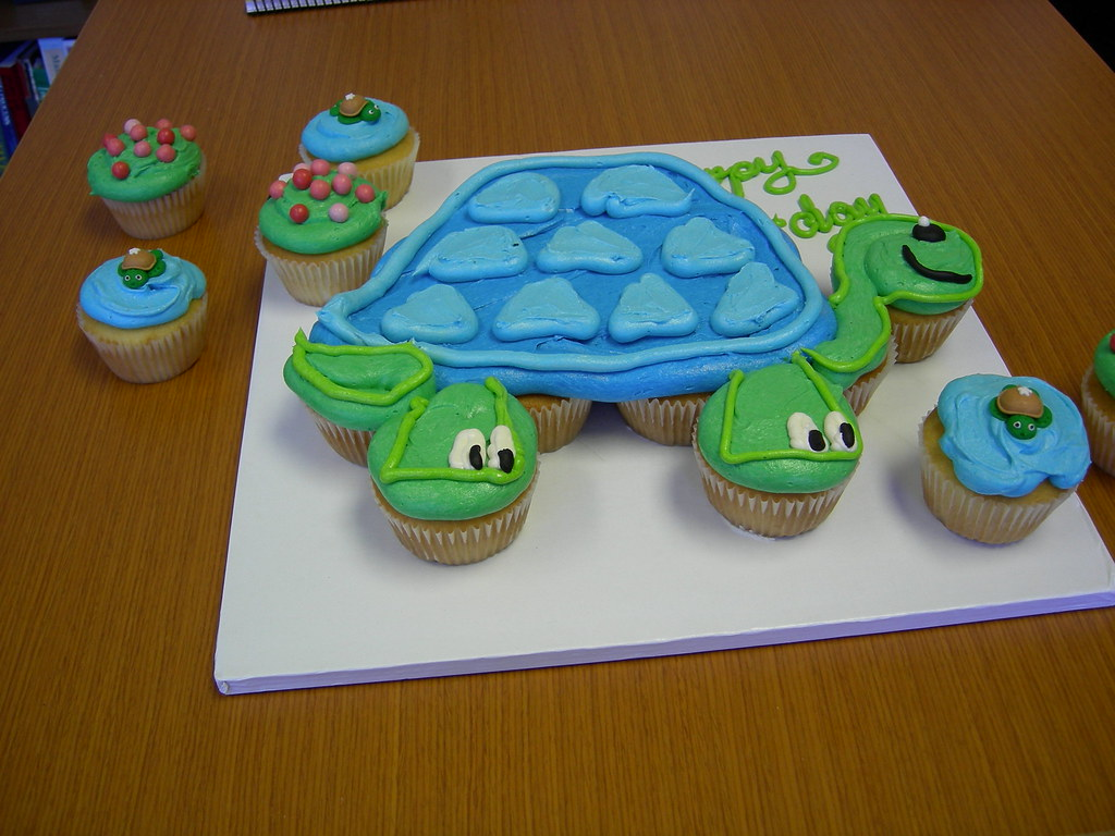 Turtle cupcake cake A coworker wanted a cake for her daug Flickr