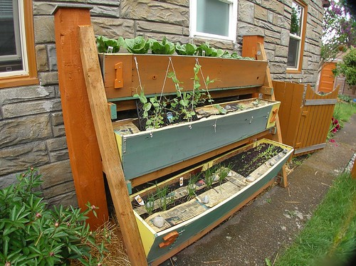 HFW Victory Garden: Vertical Small Space Garden | by RR Anderson