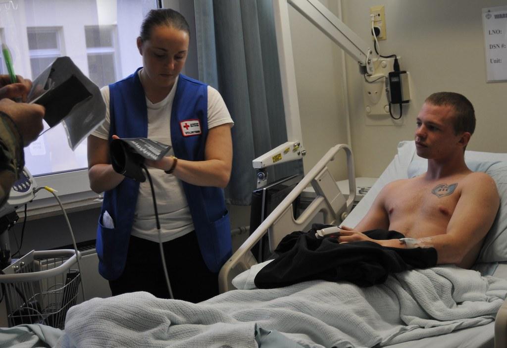 Red Cross Cna Training Program Army Specialist Jennifer Tr Flickr