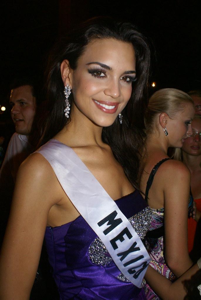 elisa najera, top 5 de miss universe 2008. - Página 3 2669406721_34e36d0542_b