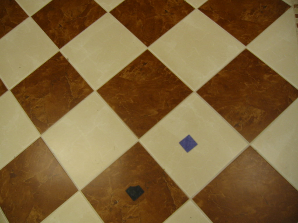 20071214 - Tile flooring - 143-4384 - samples laid on a di… | Flickr