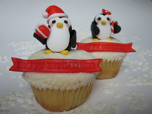 Holiday Penguin Cupcakes | by jdesmeules (Blue Cupcake)