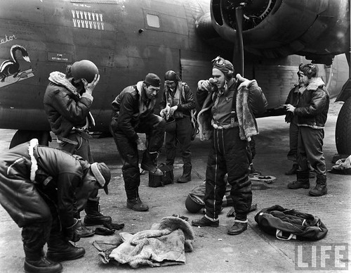 "Kia Of Jefferson City >> B-24 Liberator crew   ""Exterminator"" (717-H) B-24D-1-CO Libe…   Flickr"