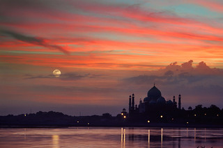 Sunset at Taj Mahal | by zacharycellis