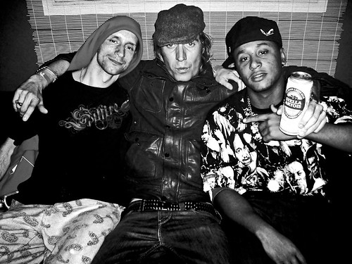 Ruff, Rhys Ifans & Fozzy backstage | by AssociatedMinds