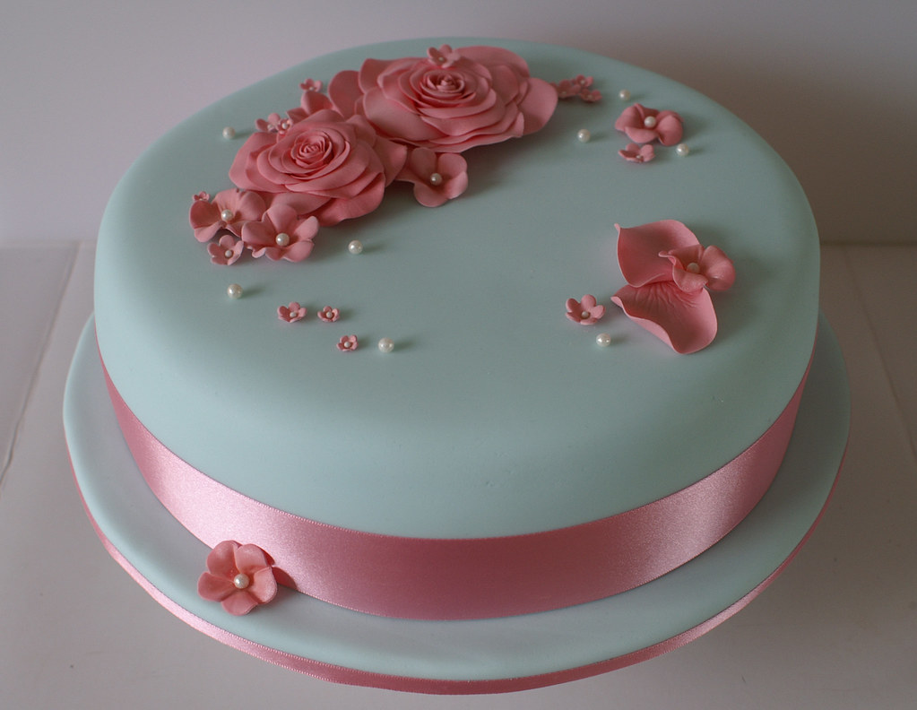 Turquoise And Pink Flower Cake A Birthday Cake For A Young Flickr