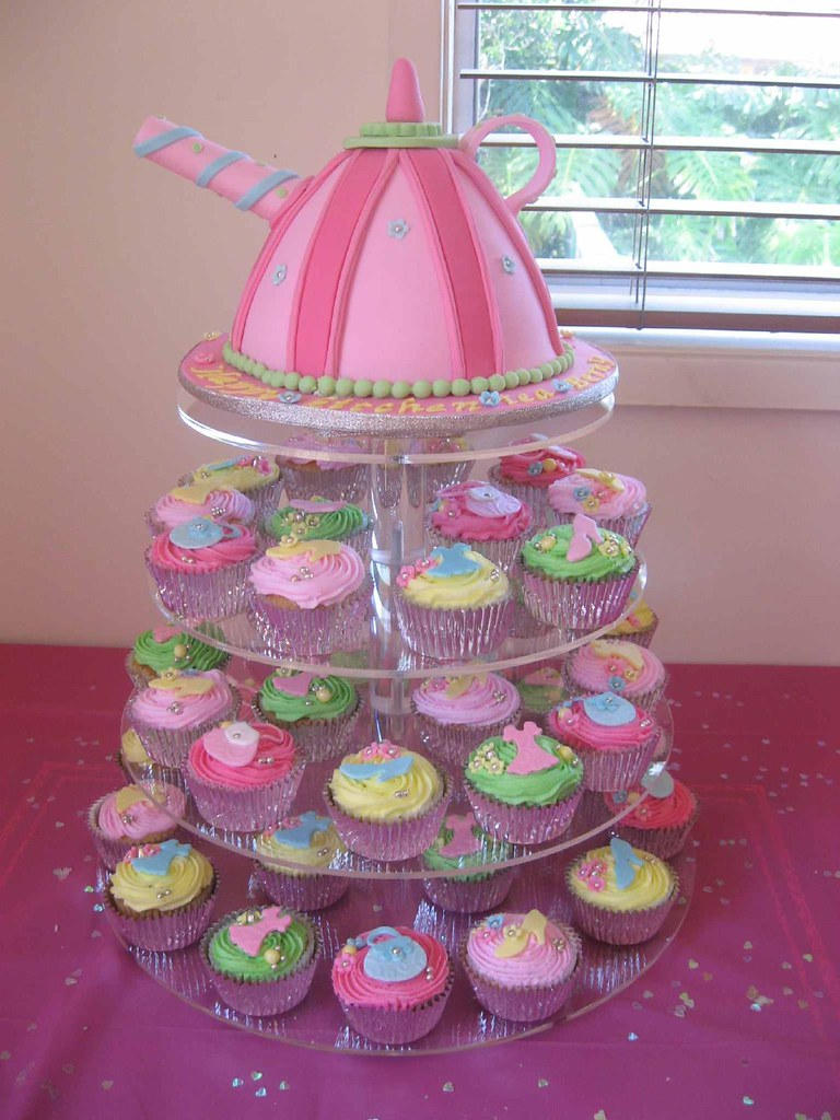 Kitchen Tea Cake Kitchen Tea Cake Funky Teapot And Fashion Cupcakes I Had Flickr