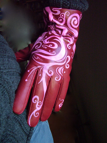 swirly pink driving gloves | by Sarabbit