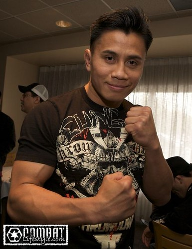Cung Le at Strikeforce/EliteXC weigh-ins | by Esther Lin • all elbows