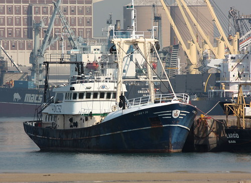 Fishing vessel docked at Durban Harbour | by Kleinz1