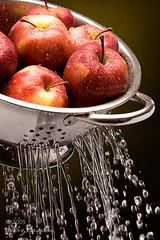 Apples taking a shower 2 | by Alby Laran