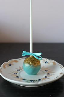 Teal Glitter Cake Pop | by Sweet Lauren Cakes