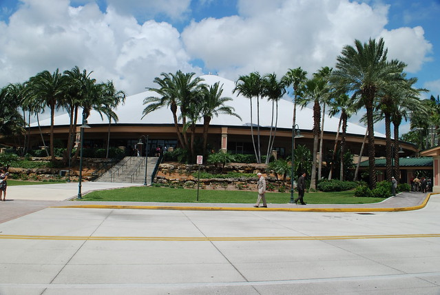 Convention center of jehovah 39 s witnesses in west palm beac - Palm beach gardens recreation center ...